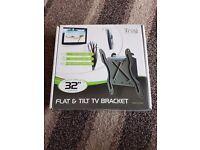 Flat tilt tv bracket
