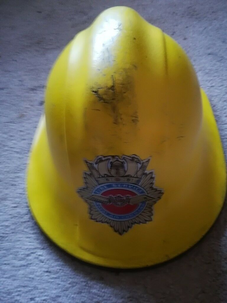 Naval Air Command Fire Service Helmetin Havant, Hampshire - A great opportunity to buy a rare fire service collectable helmet from the Naval Air Command Fire Service. Has rare badge to the front & in used but good condition, chinstrap & adjustable head liner intact. For this & other fire service collectables...