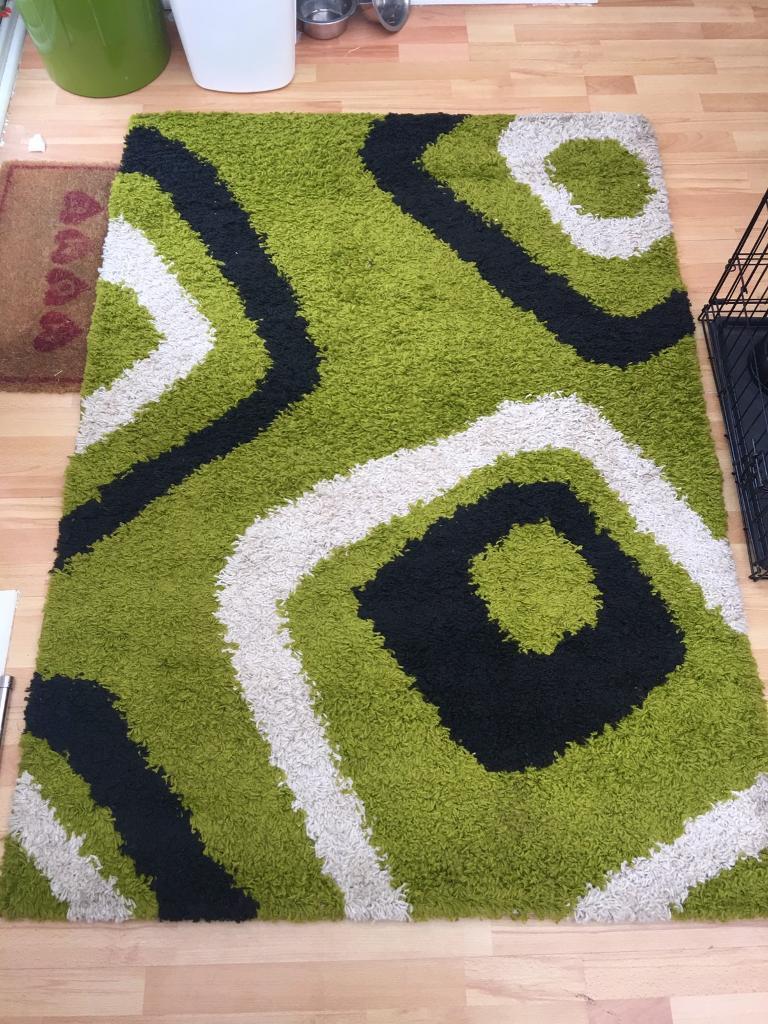 Selling green/ black rugin Kilwinning, North AyrshireGumtree - Selling a Green, black and white rug. It Measures 120x160. £12 sale