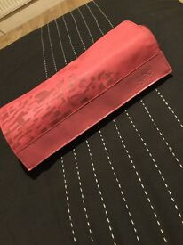 Pink GHD straighteners, rarely used, good condition, comes with packaging and heat mat