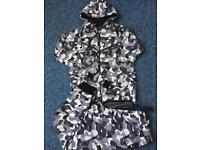 Size small camouflage Tracksuit