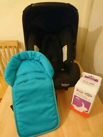BRITAIN CAR SEAT WITH BABY SAFE ADAPTORS