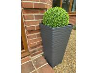 4x artificial shrubs and plant pots