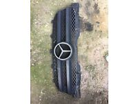 2010 Mercedes sprinter 313cdi euro5 front grill - can post