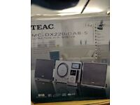 TEAC MC-DX220IDAB Stereo Audio Ipod DAB Subwoofer