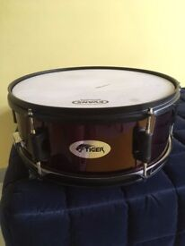 Tiger snare drum with stand
