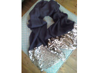 Ladies Scarf black with gold sequins