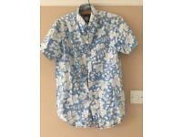 Men's short sleeved Hawaiian shirt