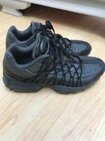 Nike air ultras size 5