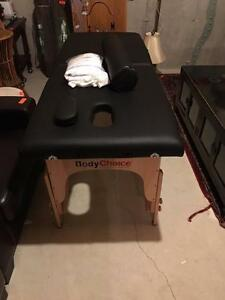 MASSAGE TABLE IN EXCELLENT CONDITION