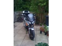 Selling my Honda CBF600 with top box and Givi Panniers. dont have the time to use anymore.