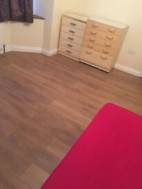 Massive 3 bedroom Flat with Garden and Parking £1300