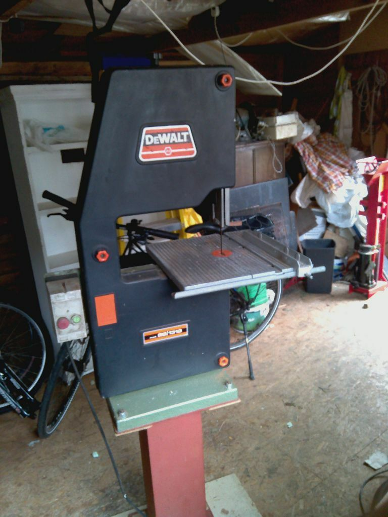 Bandsaw Dewalt Bs1310 In Romsey Hampshire Gumtree
