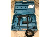 Makita HR3210C rotary hammer drill