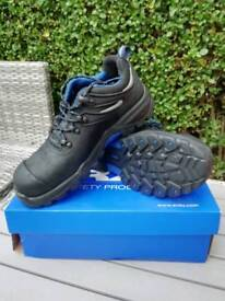 Rx Securo Safety Shoes size 9,5