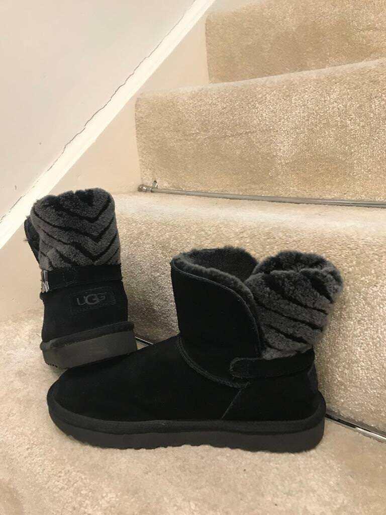 Black Uggs UK Size 5