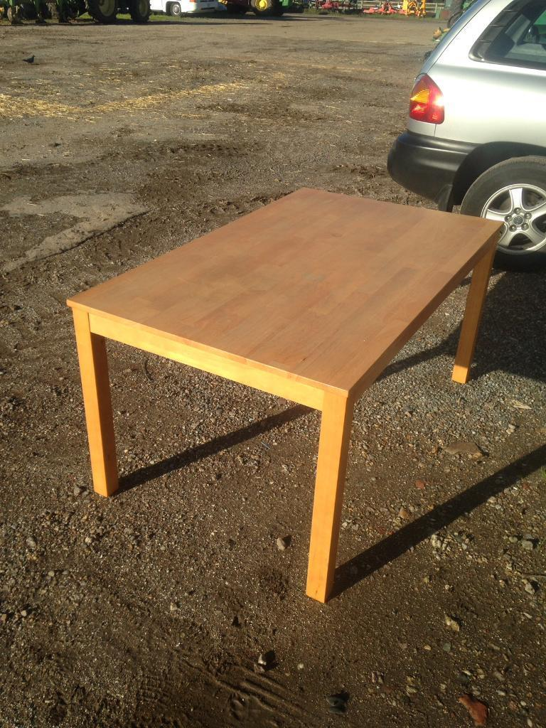 Soild Oak Dining Table About 5x3 Ft