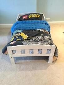 Wooden toddler bed (putney)