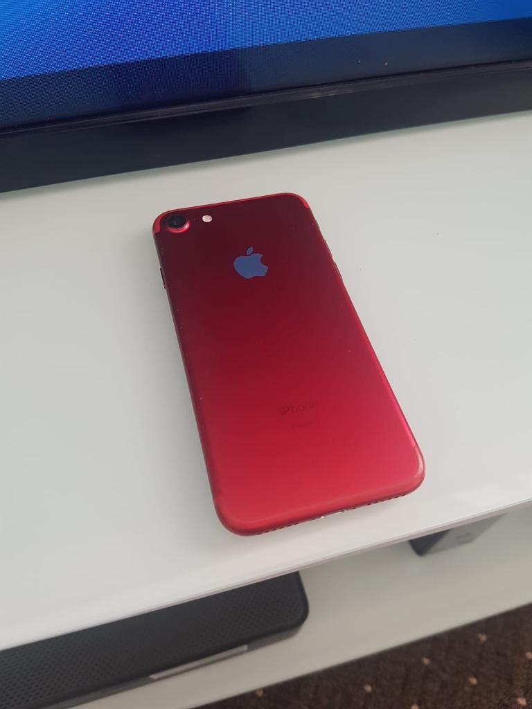 Iphone 7 Red 32gb Excellent Condition In Blackburn Lancashire