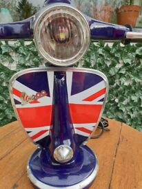 Scooter table lamp