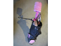Ideal beginners golf club set and golf bag for girls. Pink headcover, please look at photographs.