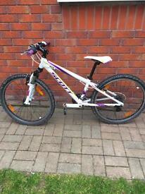 """Scott Scale Junior 24"""" Bicycle"""