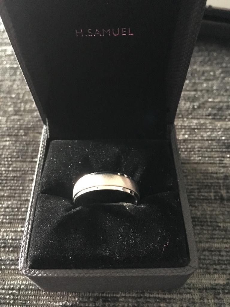 Men's Wedding Ring - unusued