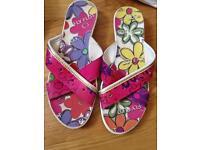 Women's Fly Flot sandals slip ons