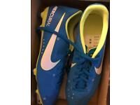 BRAND NEW Nike Togs size 7