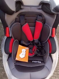 Nania child's car seat excellent condition