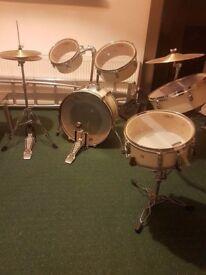 Pearl Drum Set Rhythm Traveler RTX705HCC Pure White/Chrome