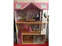 Dolls house for sale pick up from Glasgow west end