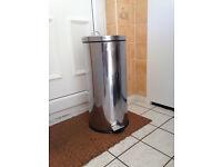 Stainless steel pedal bin (50l)