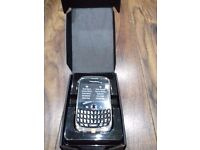 NEW * BlackBerry curvue 9300 touchscreen phone with £10 top up