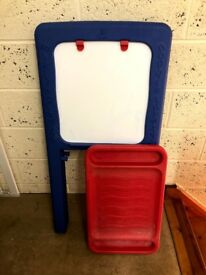 Kiddies Art Easel — Whiteboard and Chalkboard