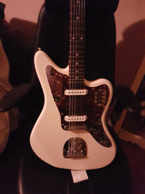 Fender Jaguar - Olympic white. Crafted in Japan - Great condition.