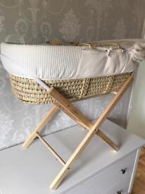Beautiful Moses basket - like new