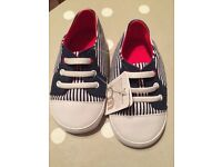 Size 3 boys pram shoes - new with tags