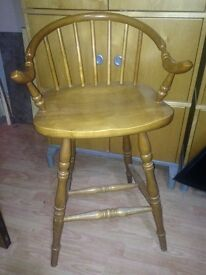 Set of 4 solid wooden stools/chairs