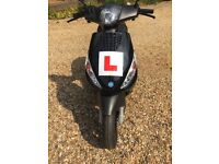 Piaggio Zip 50 2T Moped, 1 lady owner, only 290 miles on clock (466 km), nearly new