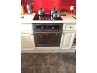 Electric oven and ceramic hob