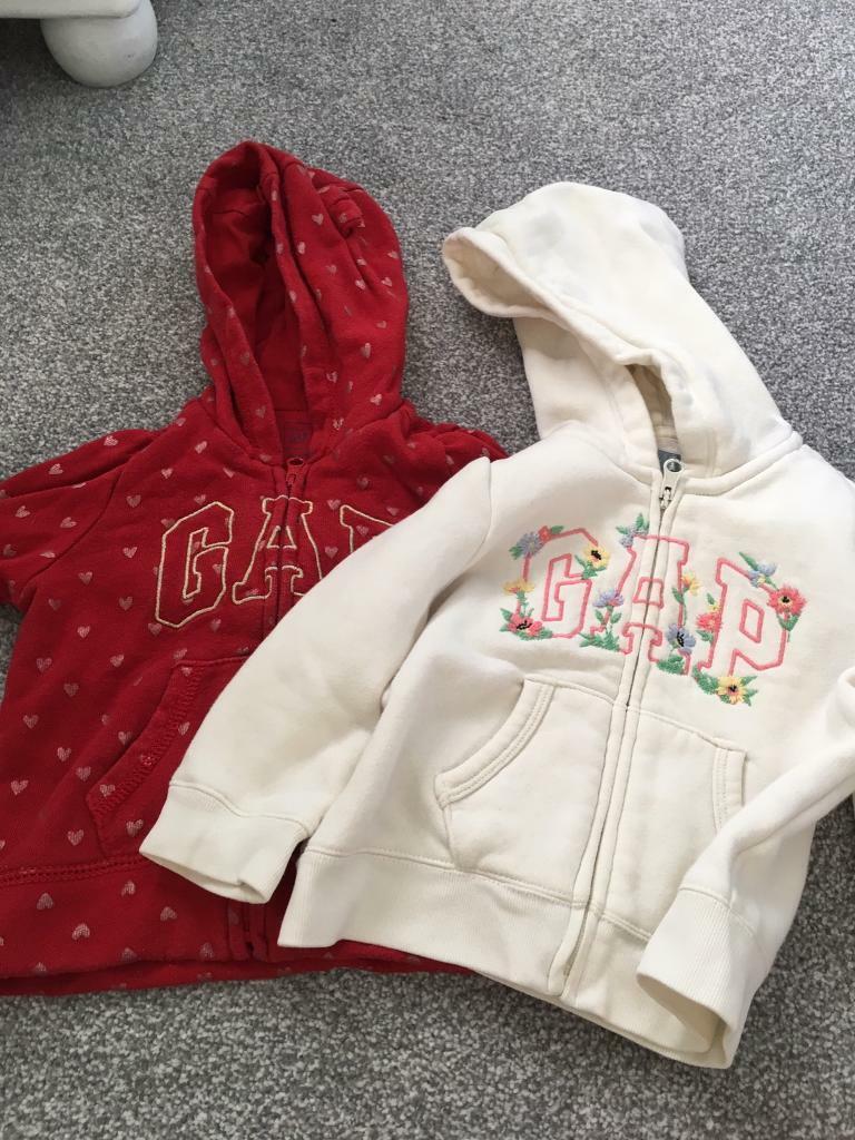 80a6c8867 2 toddler Gap hoodies - size 6-12 months