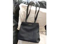Ladies Black Handbag with 2 shoulder straps