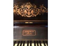 Piano upright model