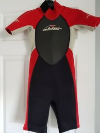 Childs wetsuit age 8-10