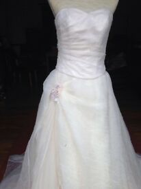 Size 12 Wedding dress by Divina sposa (inc free bag and shawl to match)