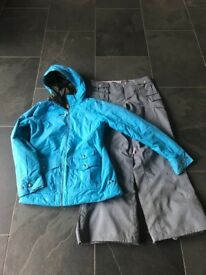 5ff8ef5026 Ladies Burton Ski Snowboard Jacket and Pants Size Small