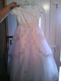 Holy communion dress with gloves,tiara and purse
