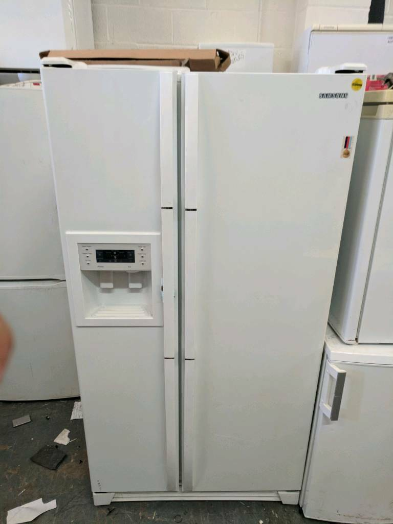 Samsunf American Fridge Freezer White