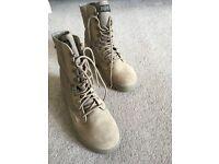 Original army desert boots, unworn. Size 7/8 for men or women